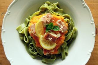 Kuchařkou: Špenátové tagliatelle s dýňovým pyré