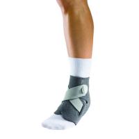 MUELLER Adjust-to-fit Ankle Ortéza na kotník 1 kus