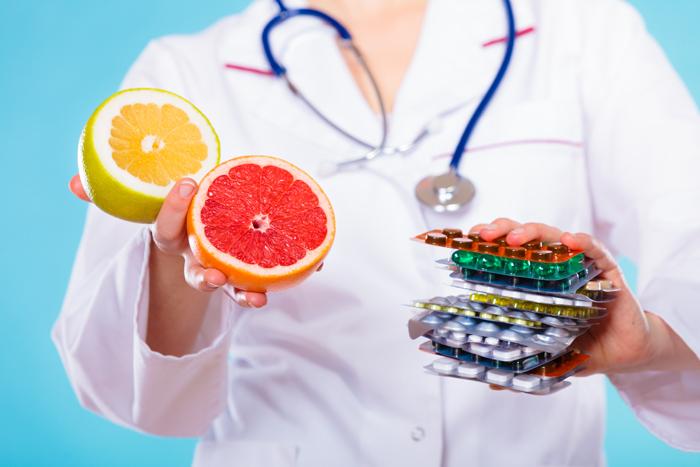 PharmDr. Vladimír Finsterle - Nežádoucí účinky léků s potravinami