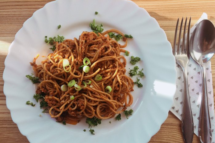Zdravé vaření: Pesto ze sušených rajčat s celozrnnými špagetami