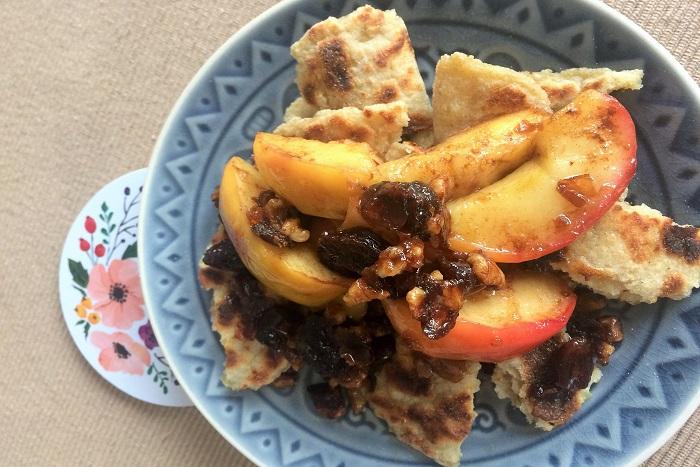 Zdravé vaření: Trhané bramborové lokše se zkaramelizovanými jablíčky